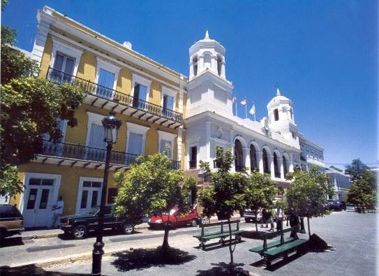 Plaza de las armas old san juan