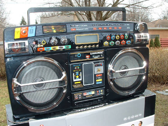 Carol Stream Il >> BOOMBOX, GHETTO BLASTERS AND BFR's =Big Freakin' Radios