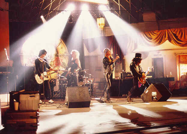 This is guns n roses as you can see them in the sweet child o mine