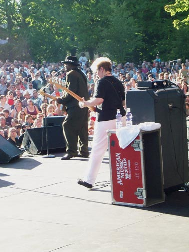 image of Bo Diddley in concert in Seattle