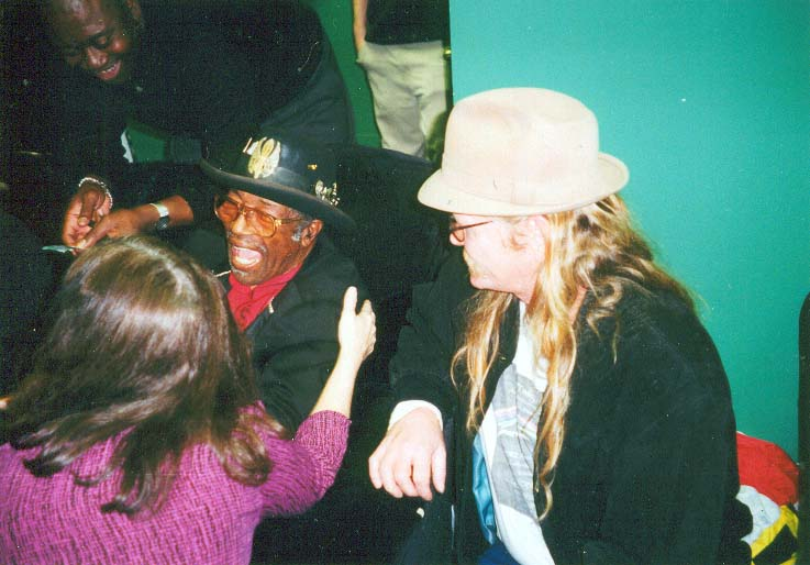 Bo Diddley backstage