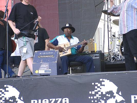 {Bo Diddley soundcheck}